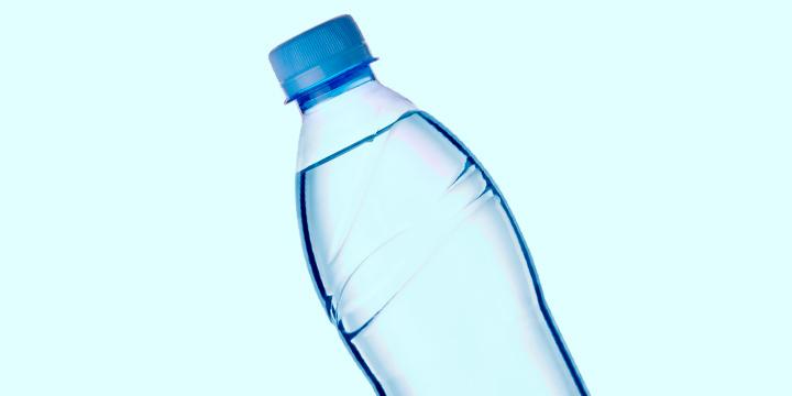 água garrafinha de plástico