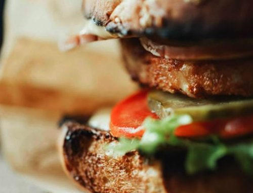 Faça em casa esta simples e deliciosa receita de hambúrguer!