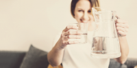 Emagreça bebendo água em jejum pela manhã