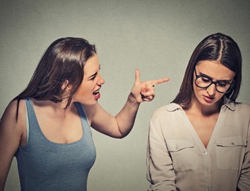 Quais os sinais e como lidar com uma amizade abusiva?