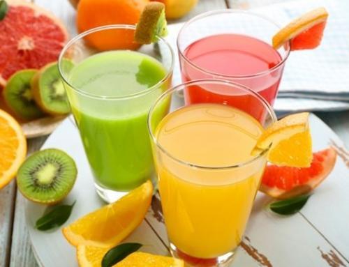 5 sucos que refrescam e desincham no verão!